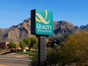 Quality Inn Sign_full